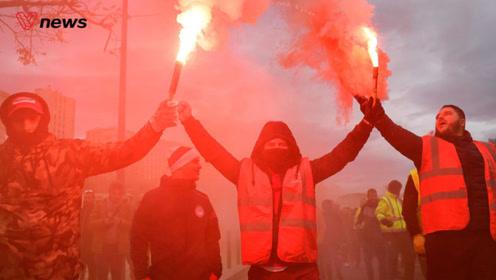 80万人为养老金走上街头,本世纪最大罢工考验法国政府