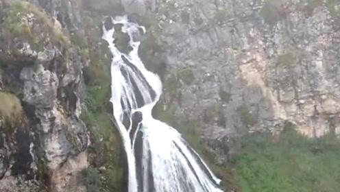 """中国最""""恐怖""""的瀑布,一到下雨天就会出现新娘,很多游客都不敢去"""