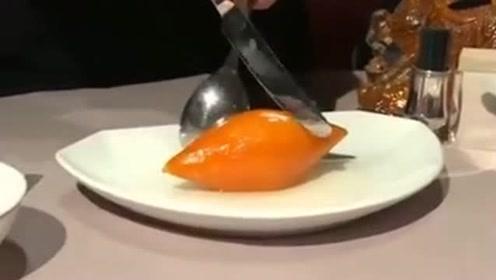 一个普通的红薯几刀切下去,硬是成了我吃不起的样子,这酒店真是坑!