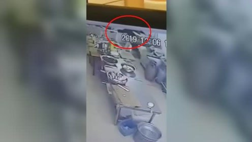 惨!吉林一饺子馆服务员头被搅进和面机,拼命挣扎2分钟后死亡