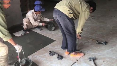 农村大叔发明贴地砖神器,一天能贴60平,3块钱造一个