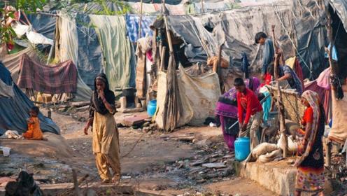 印度穷人到底有多穷?看完不敢相信,原来还能这么活着