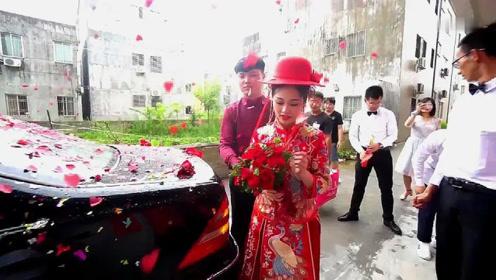 广东一姑娘嫁大户人家,客厅100个平方,看看里面啥样!