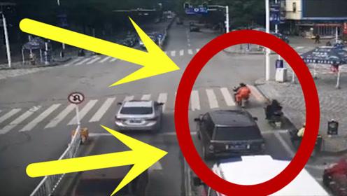 救护车在路口鸣笛长达74秒,路虎拒不让行被罚,网友:罚得轻了!