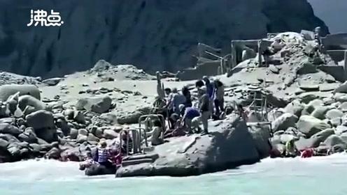 新西兰火山喷发现场 游客惊恐逃离 已致5死8失踪