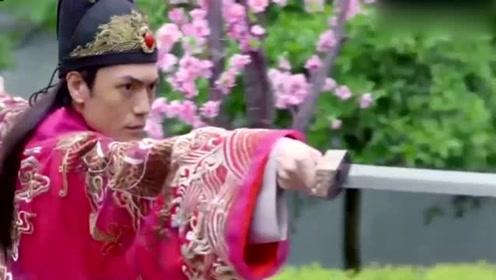 美女刚穿越到古代就跟和尚约会,谁料皇上看到这一幕,下一秒就拔出了剑!