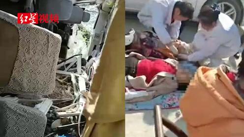 湖南岳阳载22人旅游客车翻下山谷,造成3死19伤