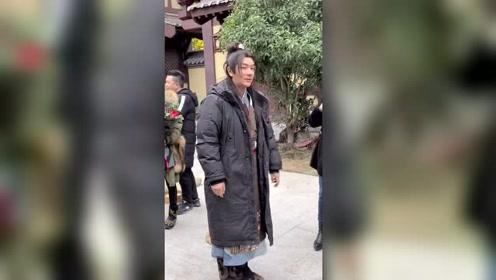 陈浩民老师,最不会耍大牌的演员,演戏也是非常的敬业!