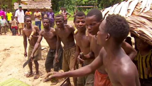 非洲最特殊的原始部落,9岁就可生儿育女,如今却濒临灭绝!