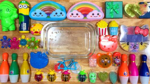 DIY史莱姆教程,保龄球装满水晶泥混合小乌龟亮粉泥、凯蒂猫泥、云朵泥