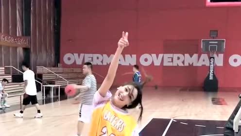爱打篮球的小姐姐,简直像风一样的女子,真是大开眼界!
