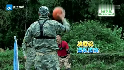 """""""战狼""""吴京""""坦克""""李铭顺这组合,球场谁还能拦住,毫无悬念!"""