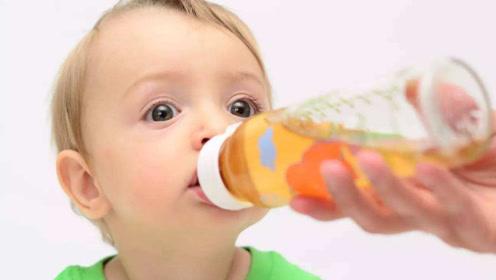 """孩子这3个时间段喝水,可能对脾胃没好处,父母最好别""""强迫""""他"""