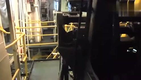 长见识了,原来这就是轮船的发动机!