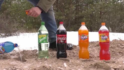 实验:把芬达,雪碧,可乐和薄荷倒进地下不同的洞里。超级反应!