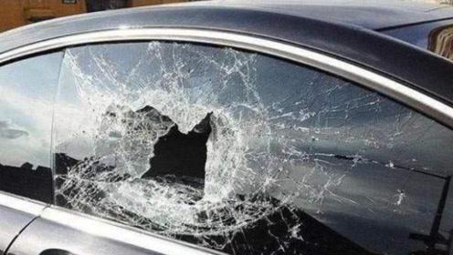 """汽车两边毫不起眼的""""三角窗"""",原来还有如此重要的作用"""