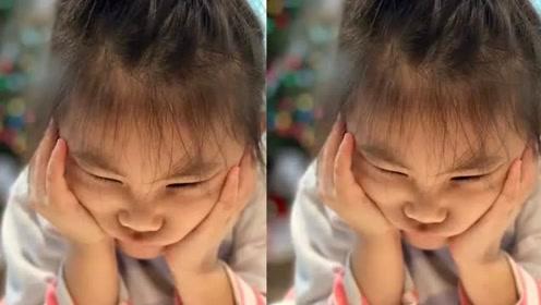 陈冠希晒女儿双手托腮照,五官扭曲变形,眼睛更被挤成一条缝