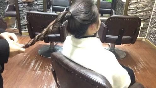 30岁过后的女性不要乱扎头发,扎一款气质十足的,瞬间气质翻倍