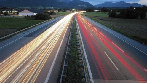 """国内首条""""超级高速""""来袭,全程智能无监控,车主:可以飙车了?"""