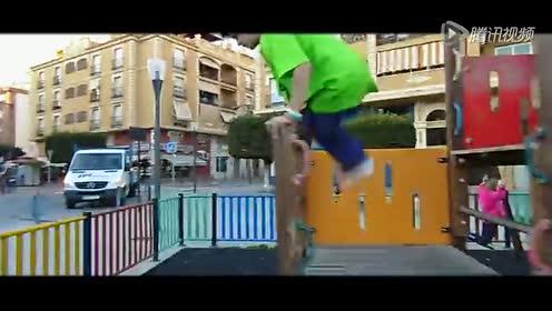 西班牙最帅跑酷少年!加油!!