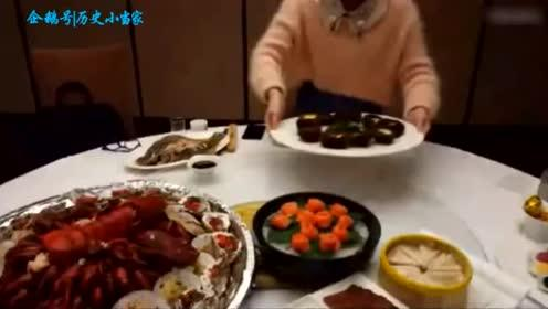 老板免费请大胃王密子君吃海鲜大餐 这一大桌还满足不了我的胃