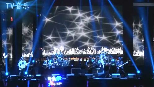 开启中国摇滚新时代的巨星,那是《曾经的你》