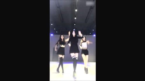 实拍3个美女跳舞,太美了
