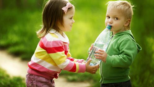 家有俩孩,如何处理孩子间的冲突?