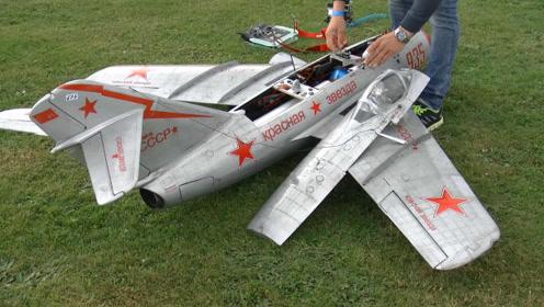 涡轮喷气米格15遥控飞机飞行演示