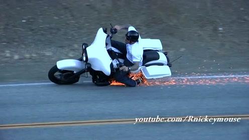 骑着哈雷戴维森Davidson上山路压弯,结果损失惨重!