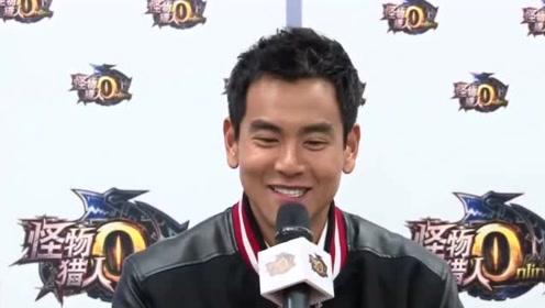 """姜文摸彭于晏腹肌!粉丝:导演请""""克制""""一下!"""