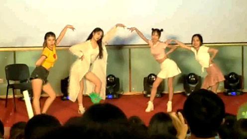美女校花模仿孟美岐跳《撑腰》性感舞姿让台下的男生都疯狂了