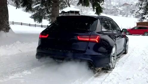 奥迪RS6 C7雪地一个漂移,这四驱能力,让我忘记宝马M5