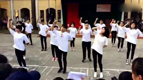 超好看校园舞蹈快闪,背景音乐都是当前最流行的歌曲!