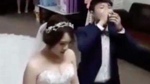 新郎给岳父奉茶,结果一紧张自己就先干为敬了!第一次结婚没错了!