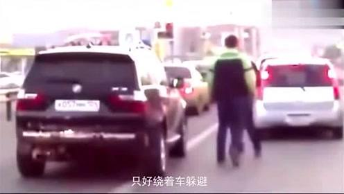 宝马恶意别车,视频车实在不能忍了,一出手才知道什么是霸气!