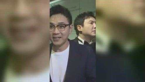 华表奖大鹏接受采访,沈腾实力抢镜