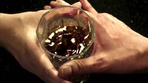 """《叶问外传:张天志》里的""""推酒杯""""片段,张晋、杨紫琼首次交锋对决"""