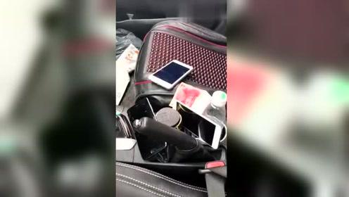 小伙本来想偷车里的钱,结果却被车主套路,太好笑啦