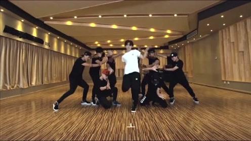 """EXO鹿晗素颜再现舞蹈""""真实""""功底,网友:关晓彤打几分?"""