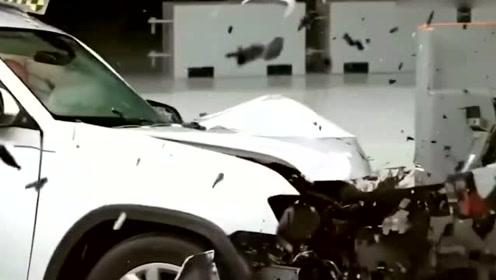 大众途昂丰田汉兰达凯迪拉克XT5,碰撞测试比拼,场面太吓人了
