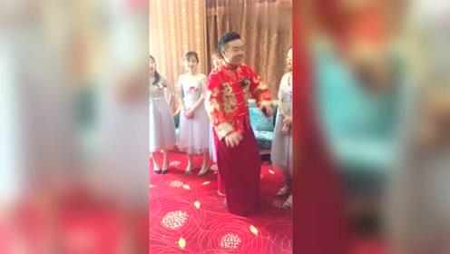 新婚当天,伴娘这样的做法真的好吗?不怕新娘看到?