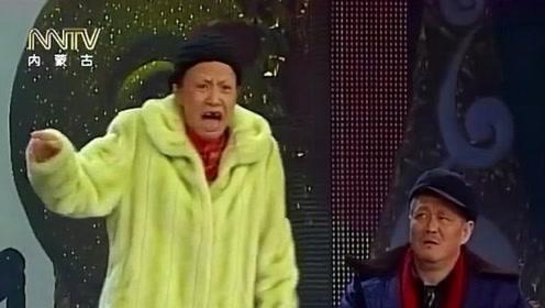 经典小品:白云黑土互拆台不停,别人唱歌要钱,大叔唱歌要命啊!