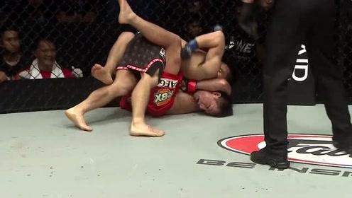 ONE冠军赛 猿田洋祐想摔帕西奥,帕西奥反而锁住了猿田洋祐的头
