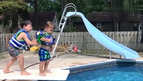 老外搞笑作死视频,看到第一个我就笑了,这些小孩太有趣了!