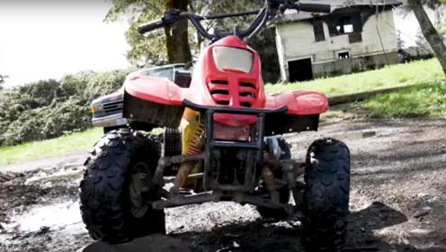 老爸偷偷给儿子玩具车装柴油发动机,极速48玩飙车,老妈怎么看?