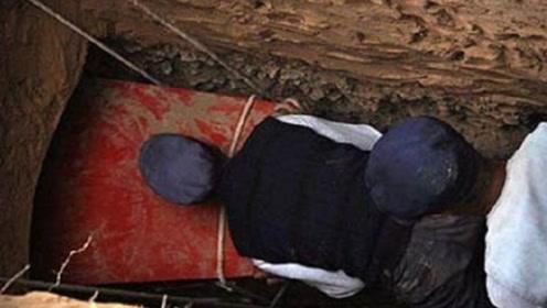 江苏惊现诡异红棺木,挖开吓得专家跪地求饶,墓中女尸突然起身!