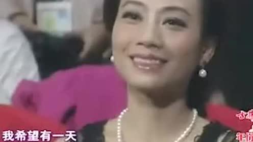娱乐圈水好深!蒋欣获奖致词,孙俪在台下满脸不屑,她俩是有什么仇?