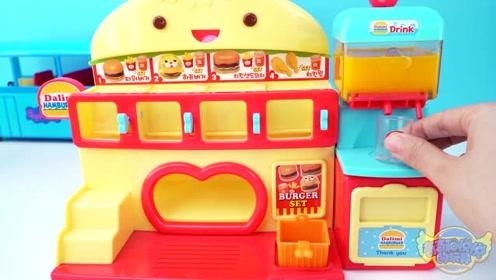 《奇奇和悦悦的玩具》小猪佩奇吃汉堡套餐