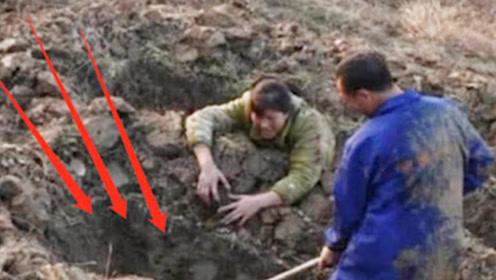 情侣扫墓时,意外听见地下传来诡异哭声,警察调查后当场吓摊了!